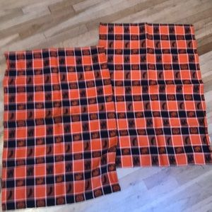 2 Halloween themed kitchen towels black/orange 🔥